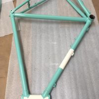 two-tone-bicycle-frame-amherst-ma-western-mass-powder-coating